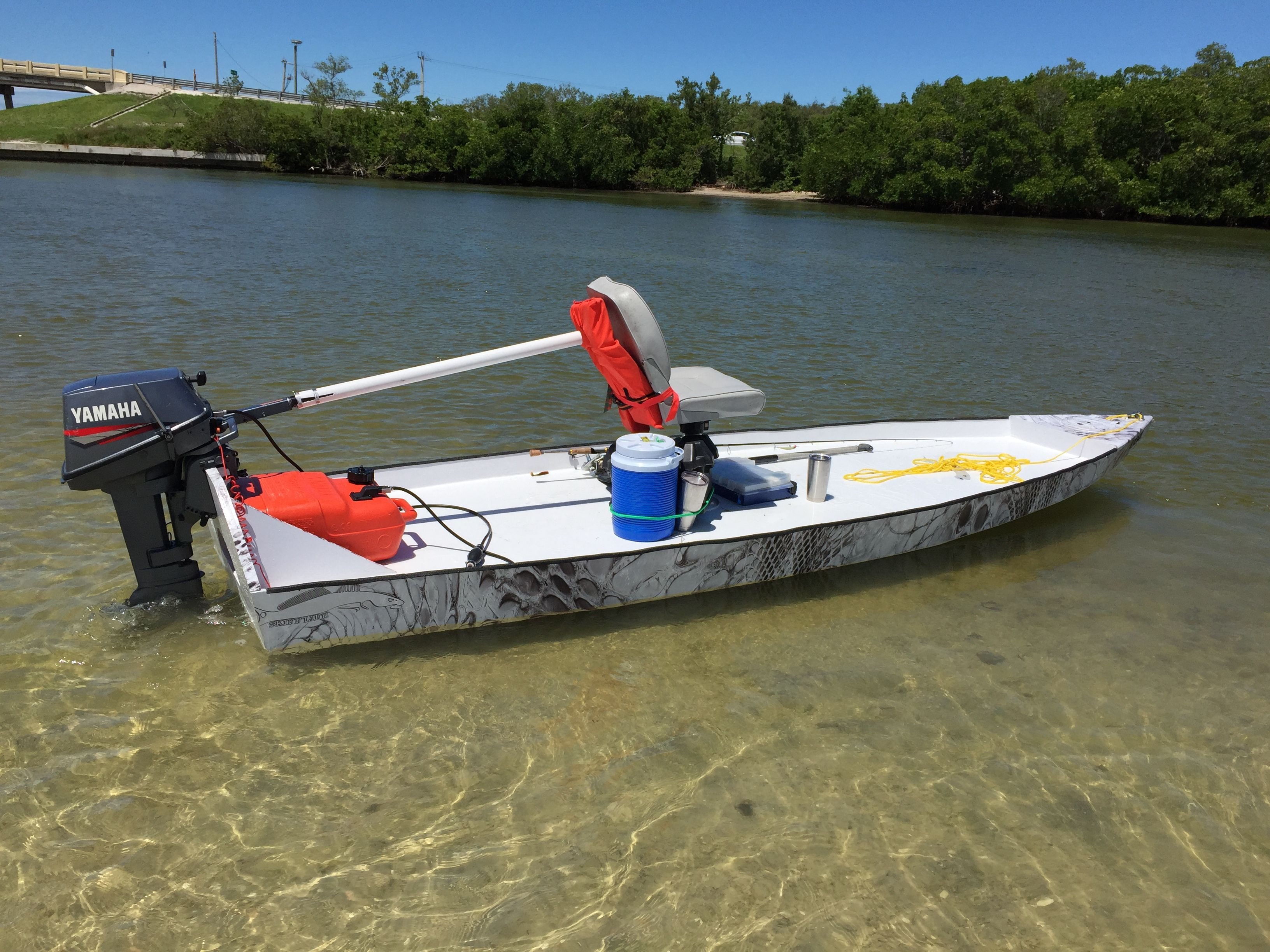Skiff life s bateau sk14 microskiff build it 39 s a skiff for Flats fishing boats