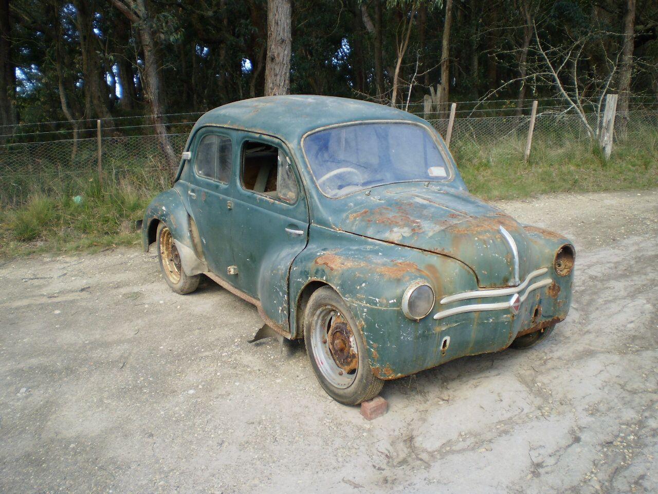 My Grandfathers Renault 4cv Voitures Abandonnees Voiture Renault