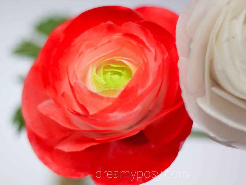 Diy Paper Ranunculus Flower Free Template And Video Tutorial Fabric Flowers Diy Templates Printable Free Flower Template