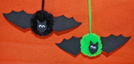 PomPom Bats Holidays - Halloween Pinterest Spider decorations - halloween crafts decorations