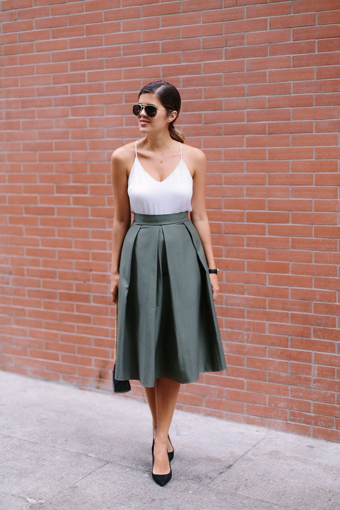 dbddf9cee39e DIY Pleated Midi Skirt | Just DIY | Pleated midi skirt, Pleated ...
