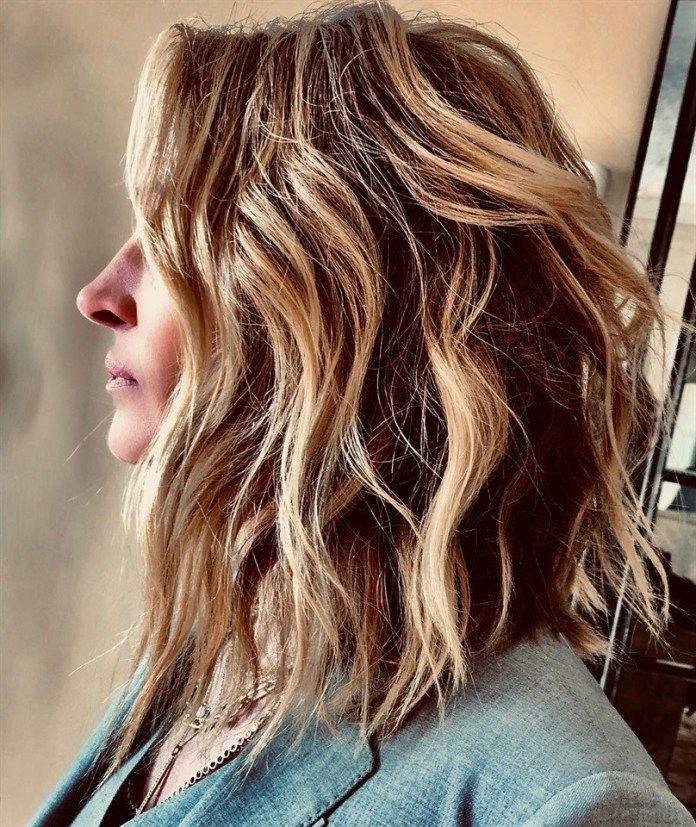 Tagli capelli ricci donne 2019