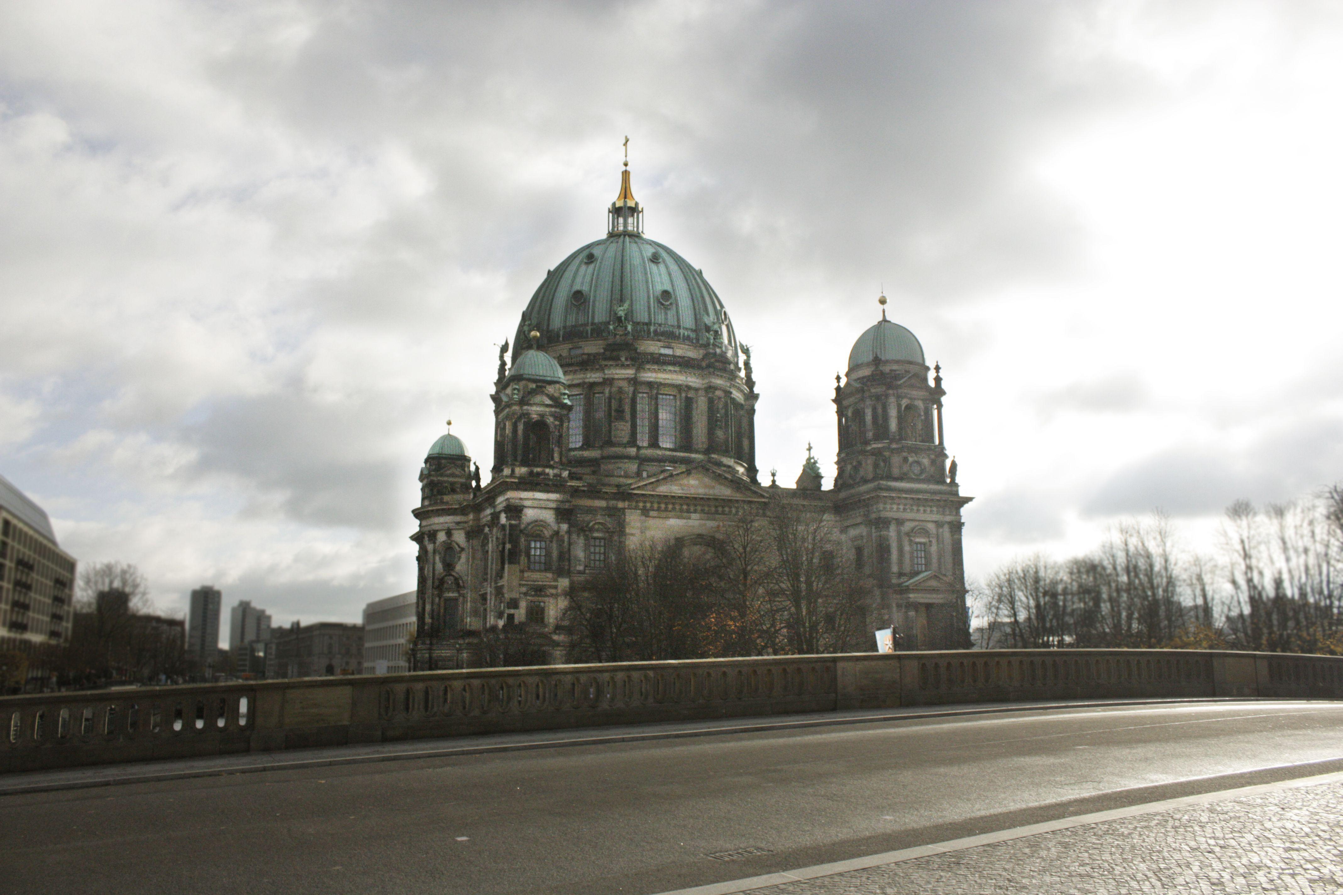 Berlin Panosundaki Pin