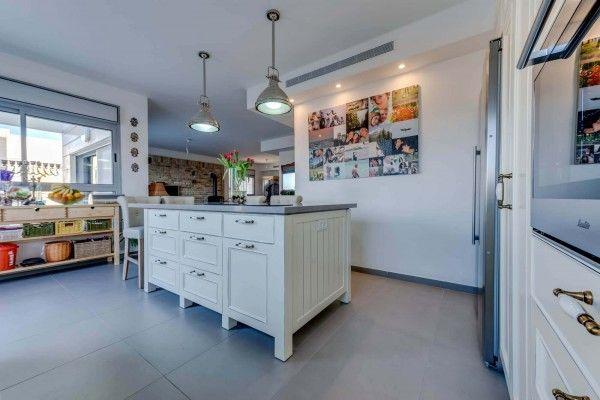 מטבח כפרי שמנת מטבחים כפריים בעיצוב אישי גיא גולד נגרות אישית with images home decor on kitchen interior gold id=64787