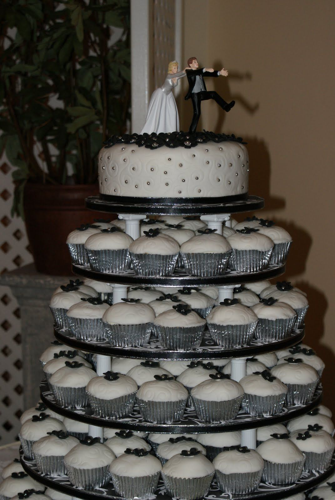 Black And White Wedding Cake Cupcake Decorating Ideas Cup Towers Foodstuff I Love