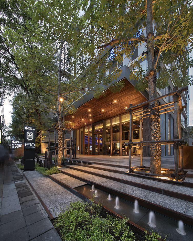 Indigo hotel landscape design by l49 indigo design and for Hotel entrance decor