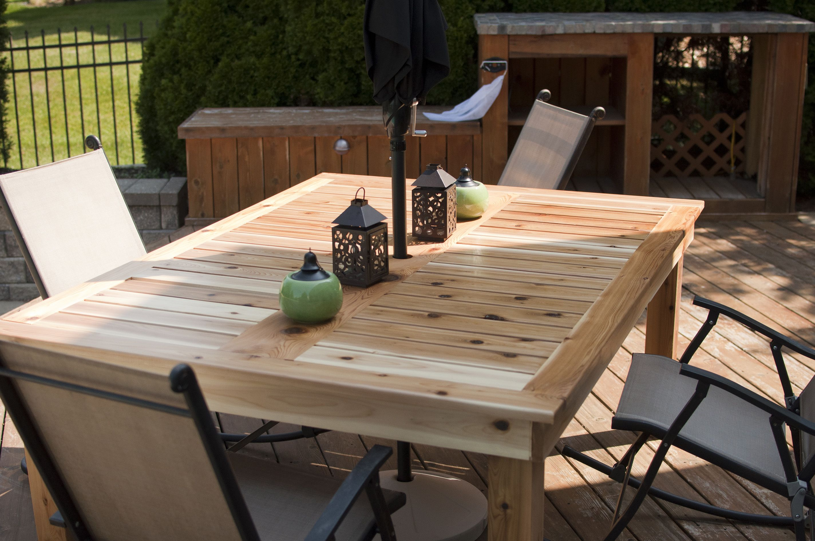 Do it yourself outdoor furniture plans homemade patio furniture simple outdoor dining table do it yourself home projects from ana solutioingenieria Image collections