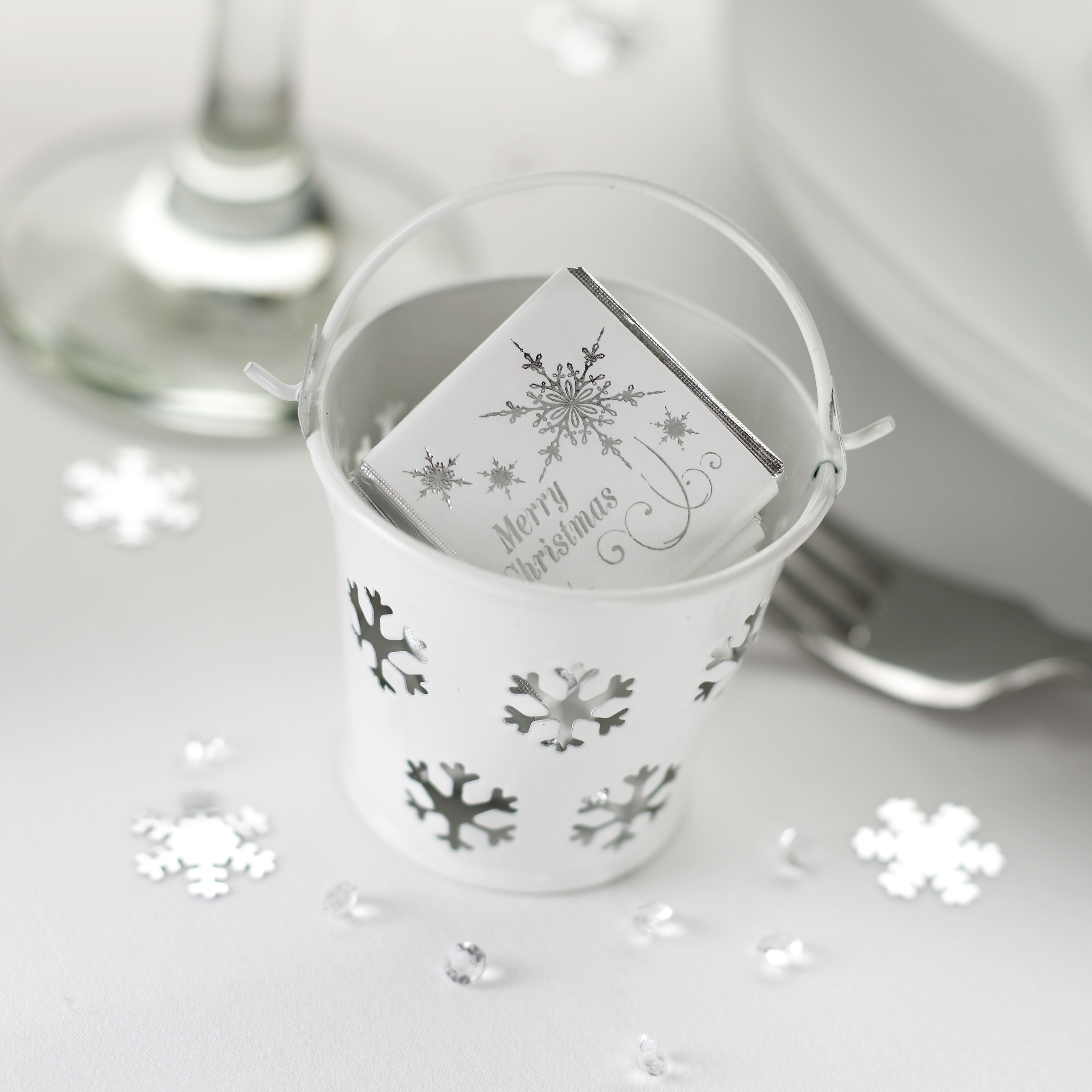 Place setting favors for christmas | Ideas for the House | Pinterest ...