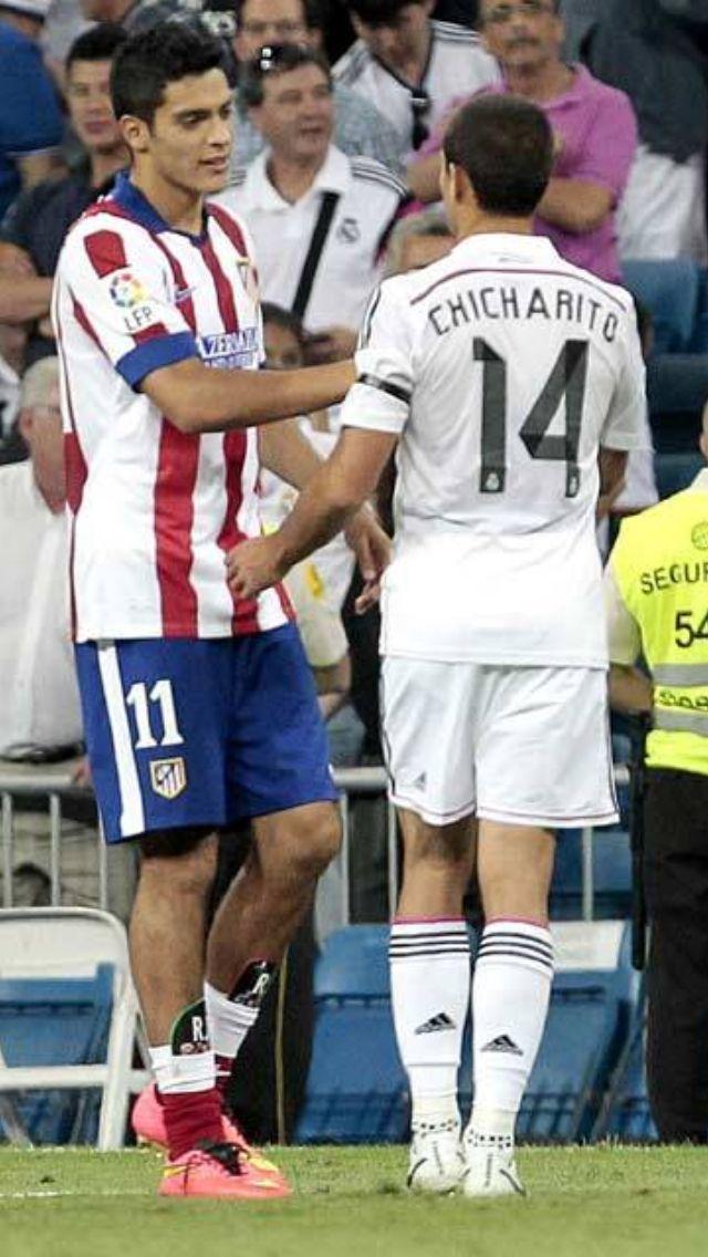 Chicharito Y Raul Jimenez Carteles De Futbol Jugador De Futbol Real Madrid Futbol