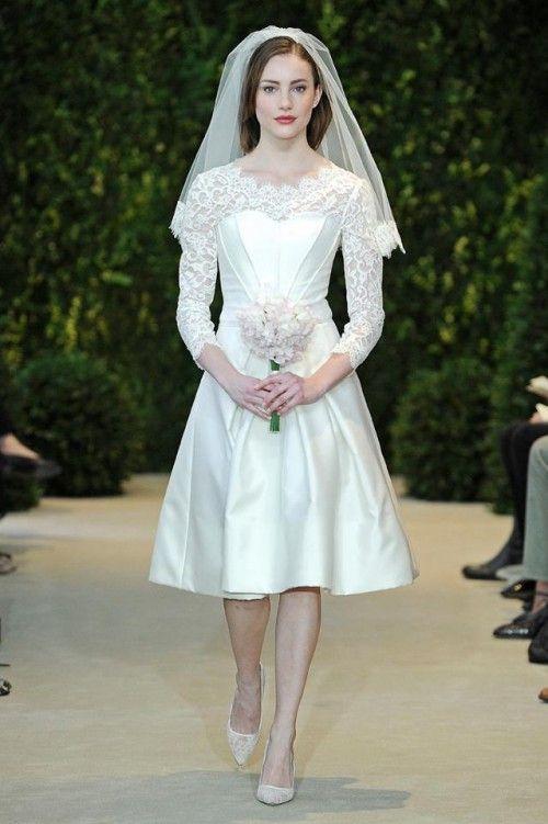 vestido de novia corto con escote ilusión y mangas largas - foto