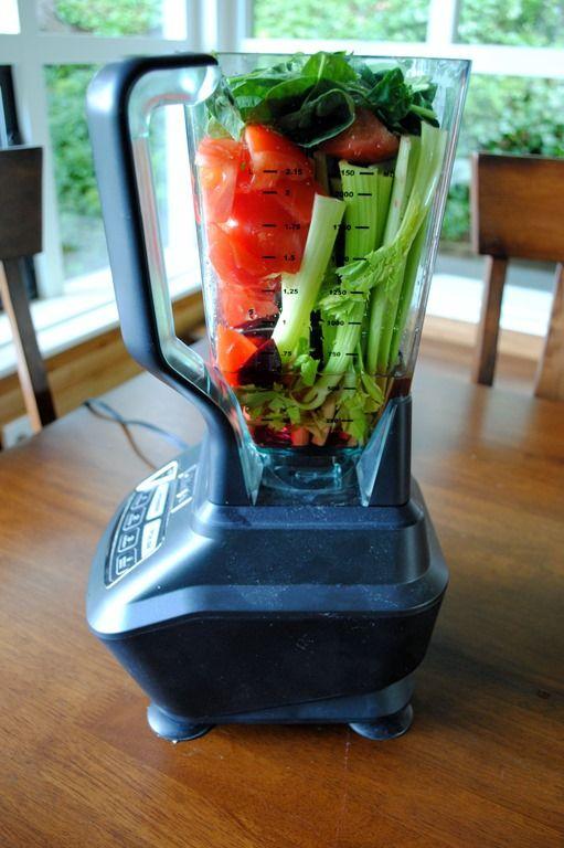 Making Tomato Vegetable Juice In The Ninja Blender Aka Diy V8 Ninja Blender Ninja Smoothies Juicing With A Blender