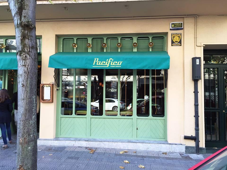 #PacíficoBilbao es un restaurante diseñado por Lázaro Rosa Violan donde poder disfrutar de nuestros azulejos.