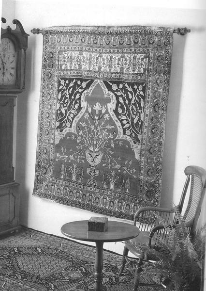 5 Ways To Hang An Oriental Rug On The Wall Rugs Wall Rug Persian Rug