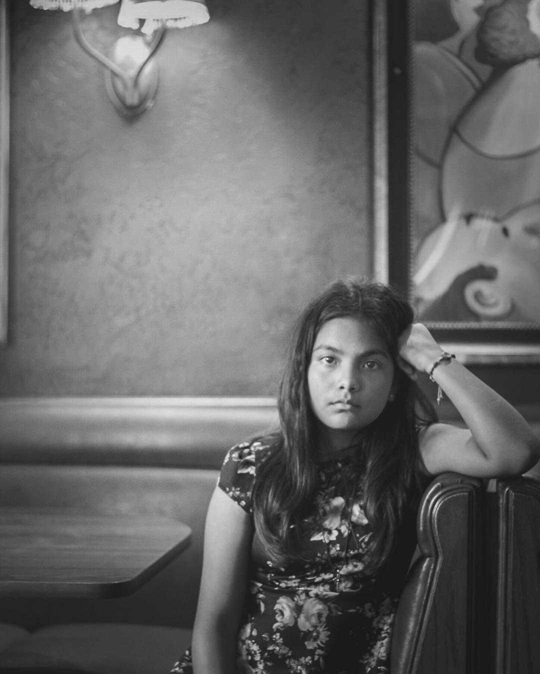 Lamp Behind Portrait •dowhatyoulove•  #portrait #lamp #pose #rest #bench #seating #serious #seriousface #blackwhite #blackandgrey #black #white #beauty #beautiful #love #laphotographer #iglassphotography