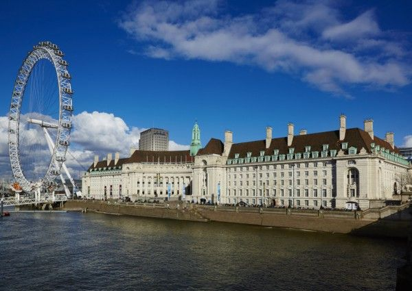 Enjoy Scenic Views Of The London Eye During Your Hotel Stay