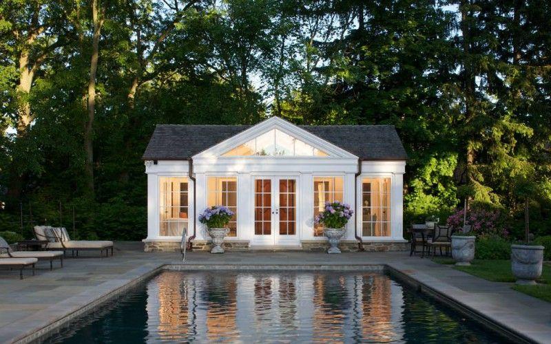 Schön am Pool: dieses süße Poolhaus ist elegant, aber auch ...