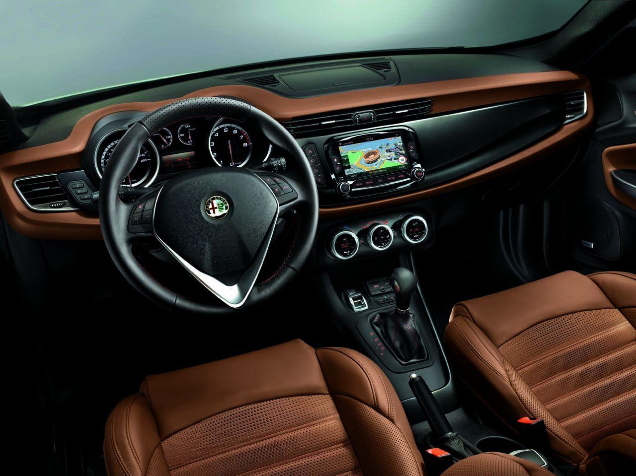 Interior Nuevo #Alfa #Romeo #Giulietta 2014 | COCHES | Pinterest ...