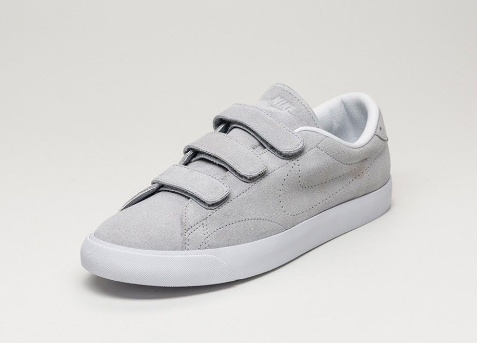 Nike Tennis Classic AC Gray Tennis Shoes