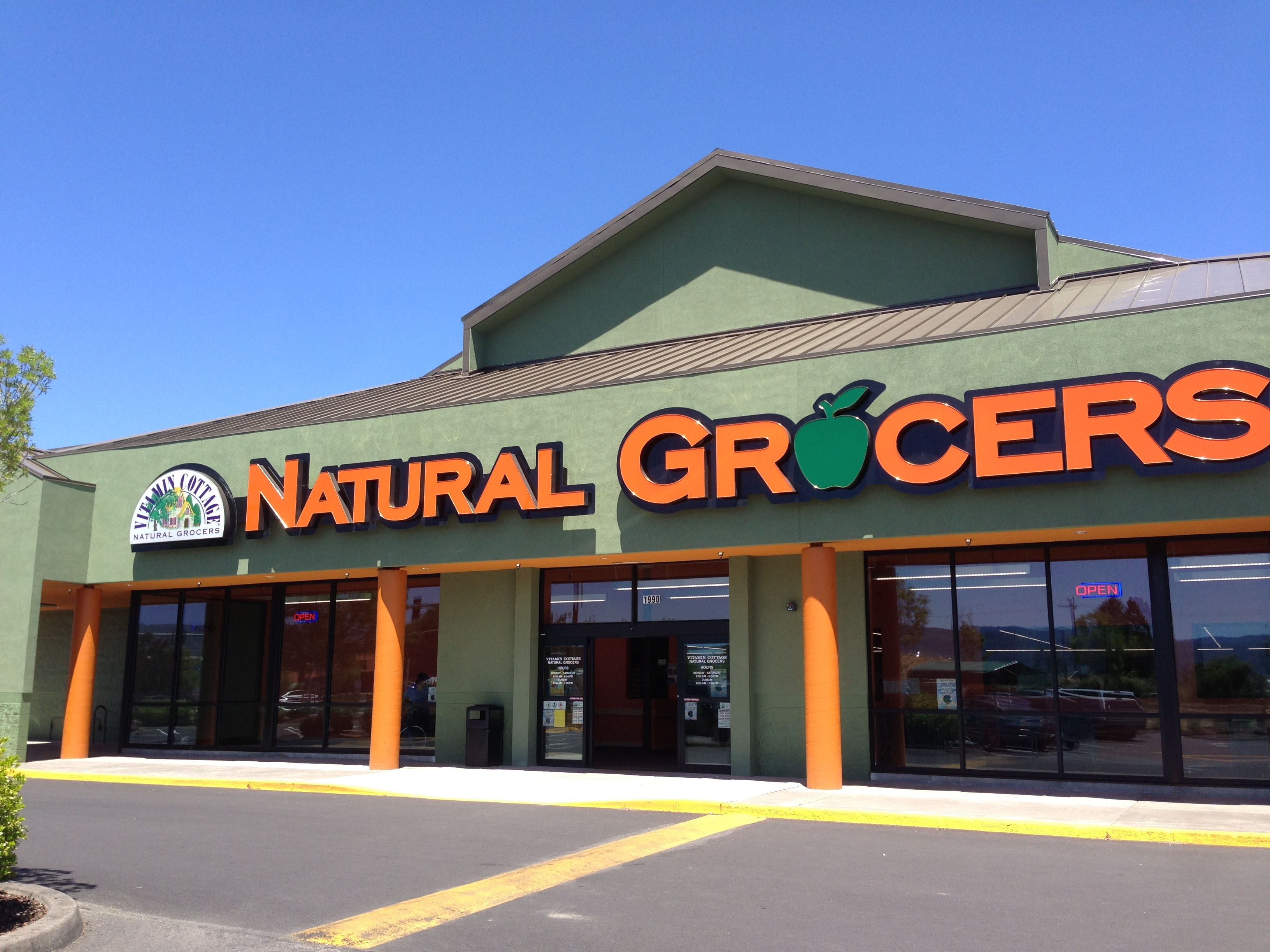 Medford Oregon Local Naturalgrocers Organicproduce Natural Grocers Health Food Store Health