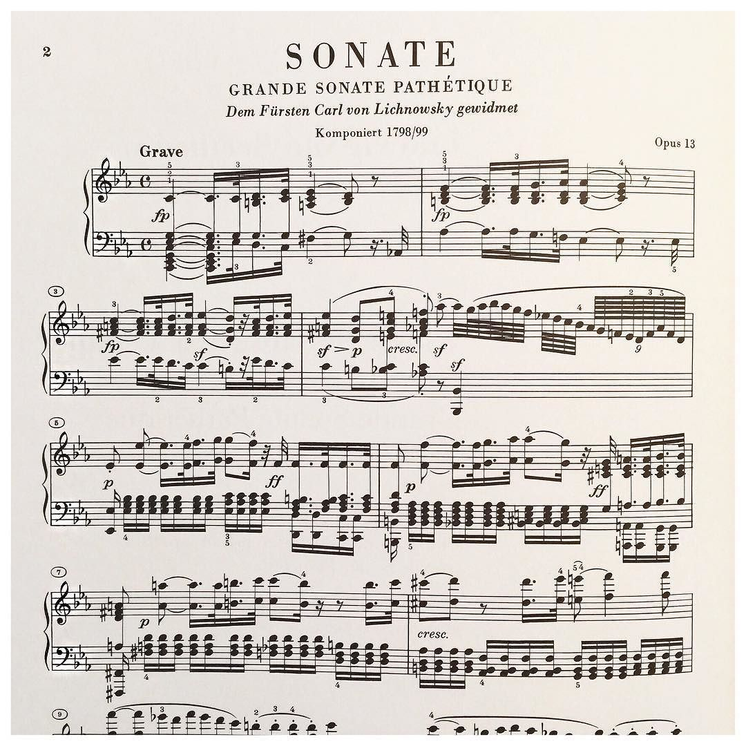 - vendredi : donner du fil à retordre . . . #motivation #quitworkmakemusic #sheetmusic #partition #piano #music #beethoven #grandesonatepathétique #notes...#parmilliers #polazoom #freeday #fridaymood #fridayvibes by lawrence_biason