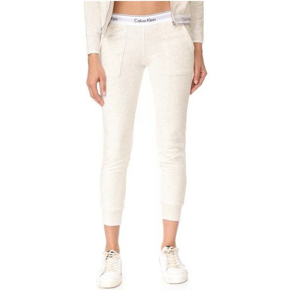 Calvin Klein Underwear Modern Cotton Jogger Pants (€55) ❤ liked on Polyvore featuring activewear, activewear pants, snow heather, slouchy sweatpants, white jogger sweatpants, calvin klein underwear, jogger sweatpants and white sweat pants