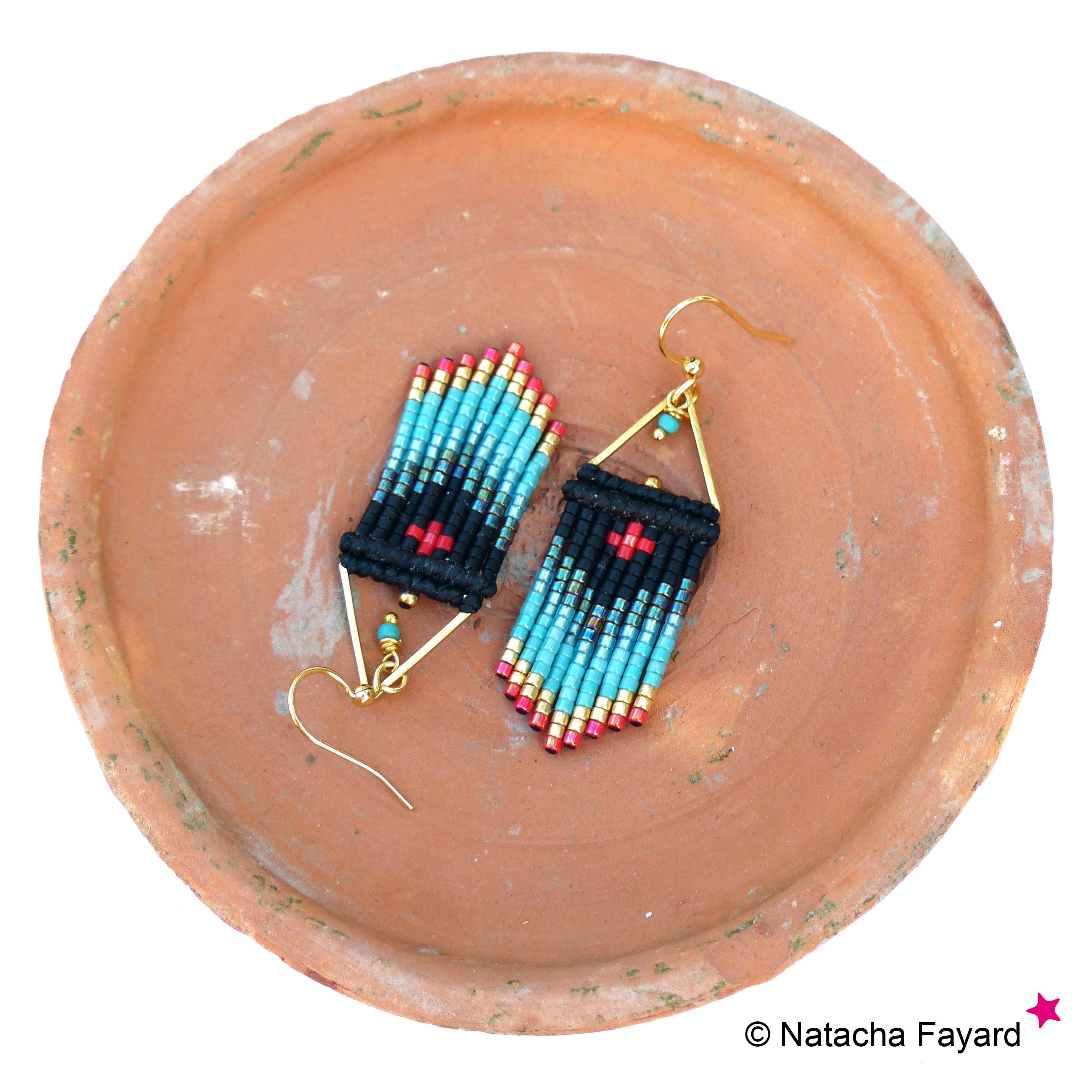 Chevron dangle earrings, made of macrame and miyuki delica seed beads / Black turquoise gold and red / Graphic patterns. © Natacha Fayard #earrings #dangle #macrame #micromacrame #chevron #graphic #jewelry #miyuki #delica #black #gold #turquoise #red #etsy