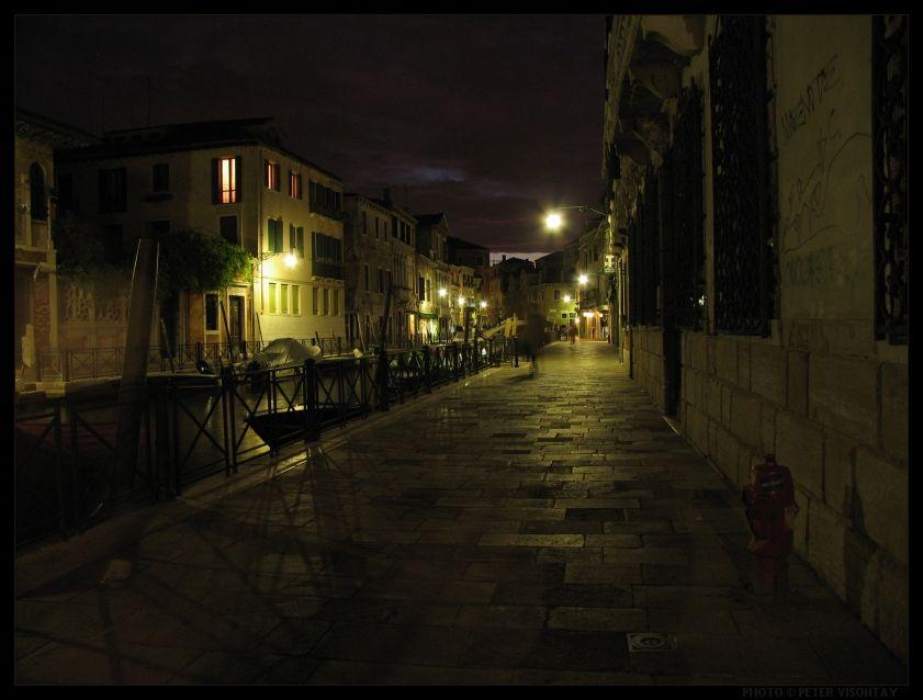 Italy_Venice_Dark_Street.jpg (841×638)