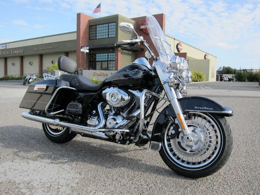 *the* Road King, awaiting its new owner Harley davidson