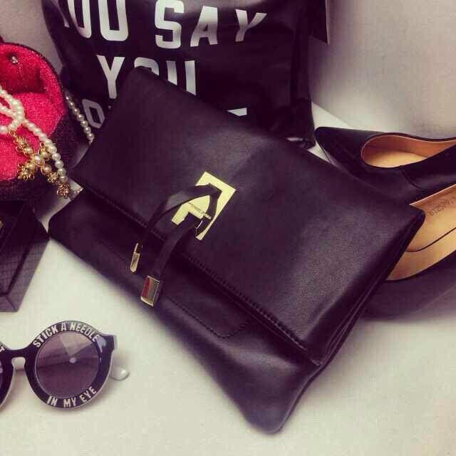 Cheap Fashion Hasp Design Solid Black PU Clutches Bag
