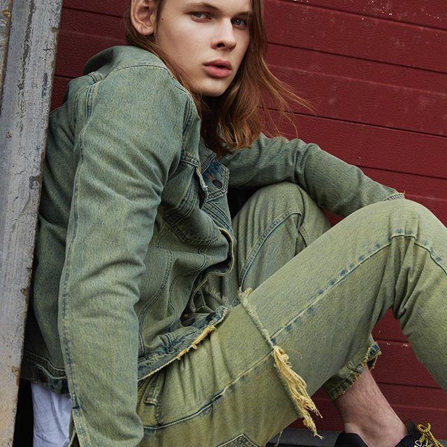 Won Hundred introduces denim. New styles on www.wonhundred.com  #wonhundred #WHintroduces #WHdenim #PAW17 #WHeveryday⠀  ⠀  Photography @themisspopo⠀  Styling @thora_valdimars⠀  Makeup @mette.schou⠀  Model Alexander H @divamodelsdotcom