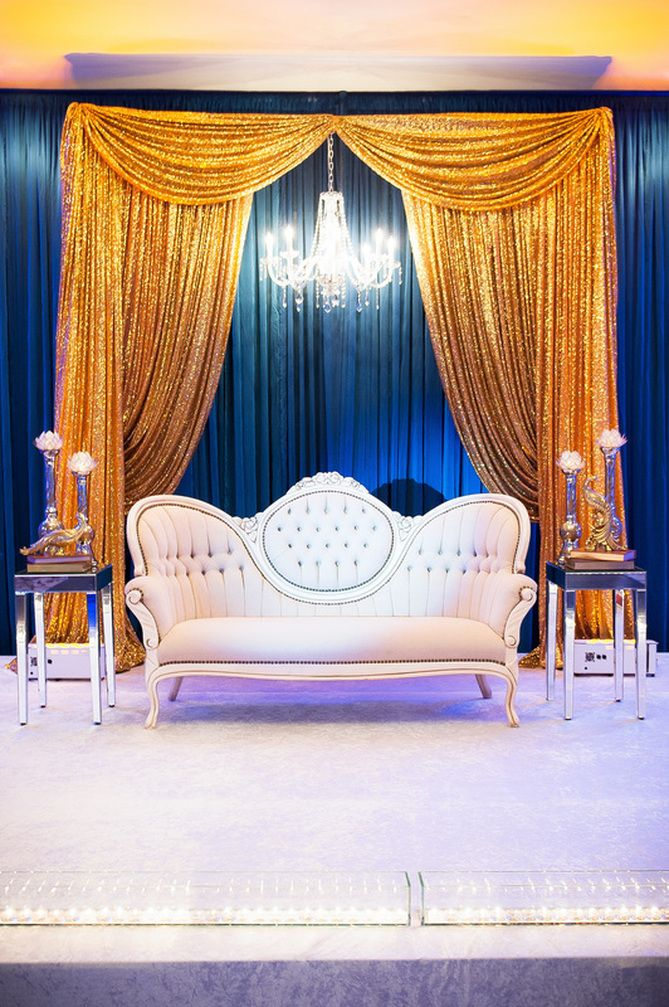White Gold And Royal Blue Wedding Google Search Decoracion De