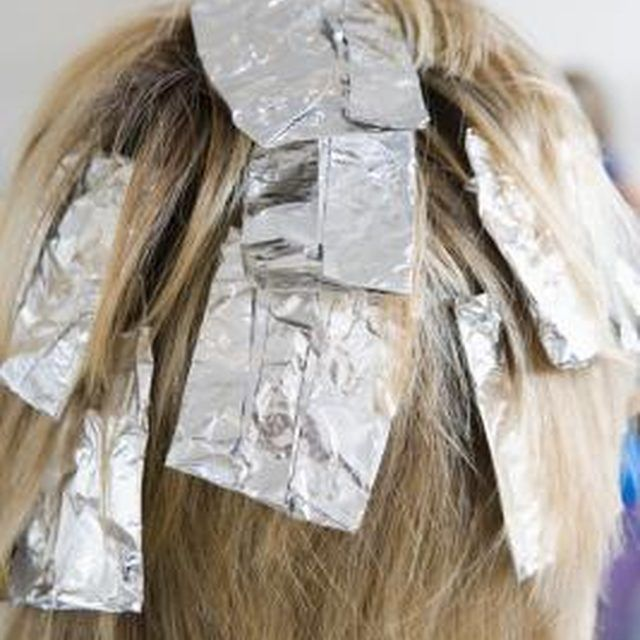 How to do silver highlights silver highlights silver hair and give yourself silver highlights at home solutioingenieria Image collections