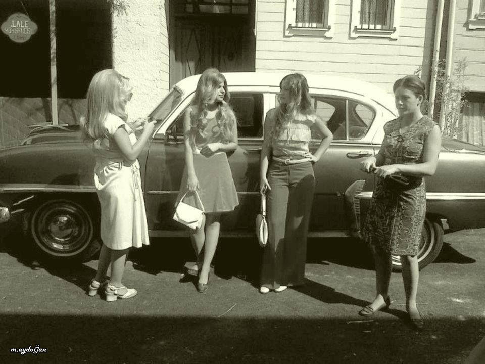 1954 Pileymut Otomobil Ve 4 Sik Bayan 1970 Ler Istanbul Fotograf Resimler