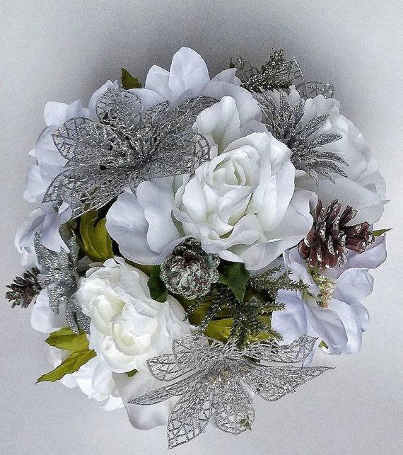 Winter Bouquet White Poinsettia Bouquet Winter Bride Silver Etsy In 2020 Christmas Wedding Bouquets White Silver Wedding Winter Bouquet