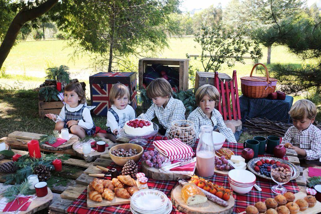 Mi colaboración deco para la colección de doña Carmen bebes con este picnic en el campo. #picnic #deco #tartan #countryside #breakfast #laultimacena #baby #fashion #interior #escoces #niños