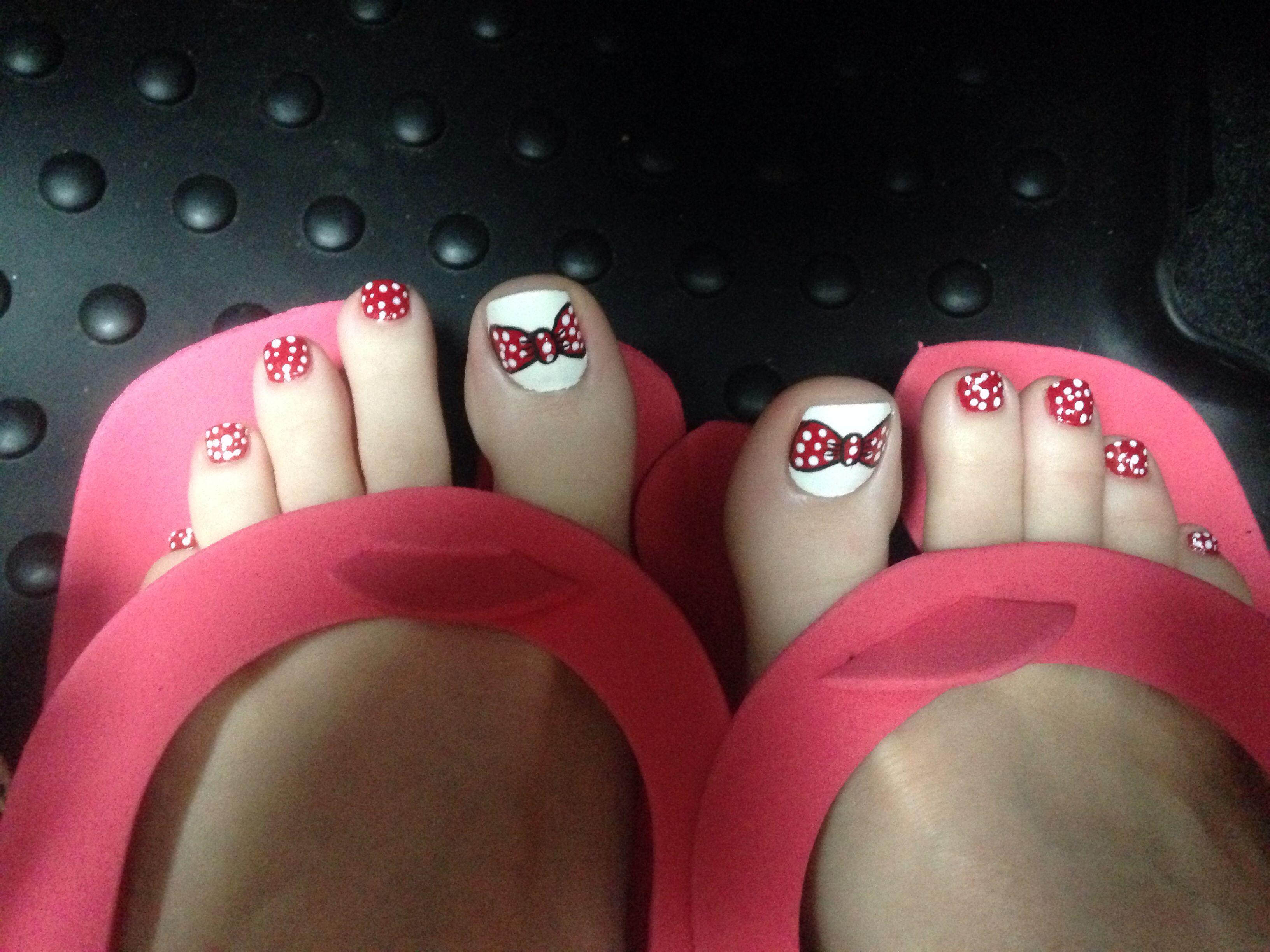 Minnie Mouse toe nails! | Nails | Pinterest