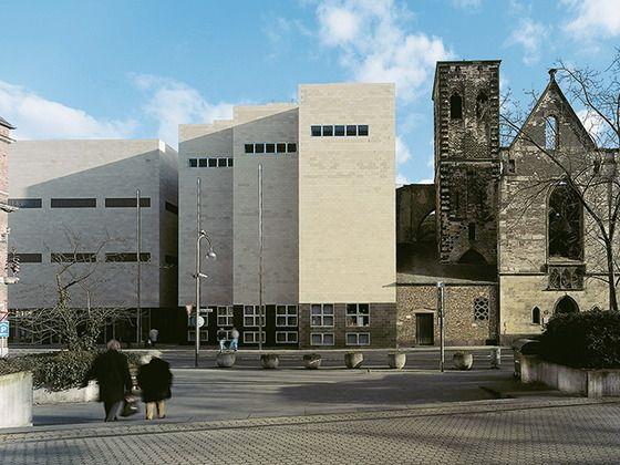 Wallraf Richartz Museum In Koln Museum Koln Museum Architektur