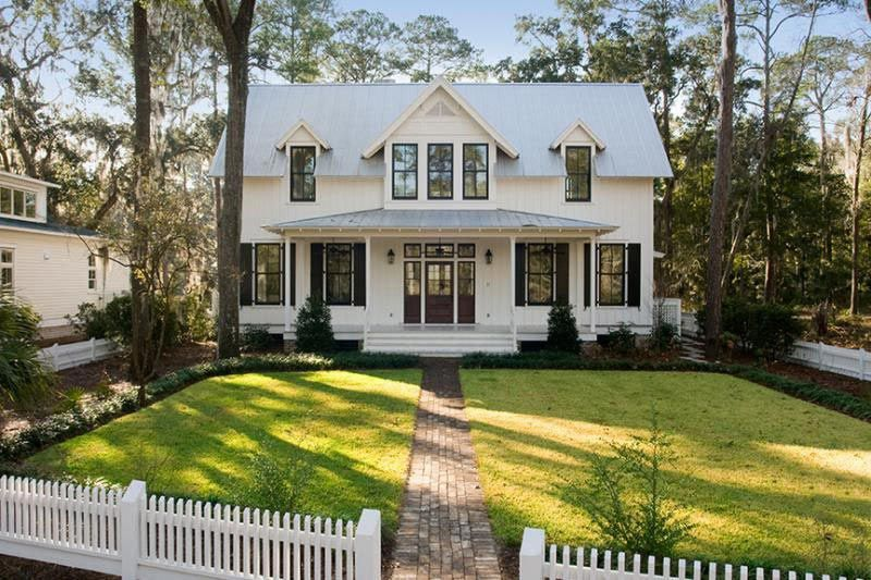 Traditional Cottage Home w/ Screened Wrap-Around Porch (HQ ...