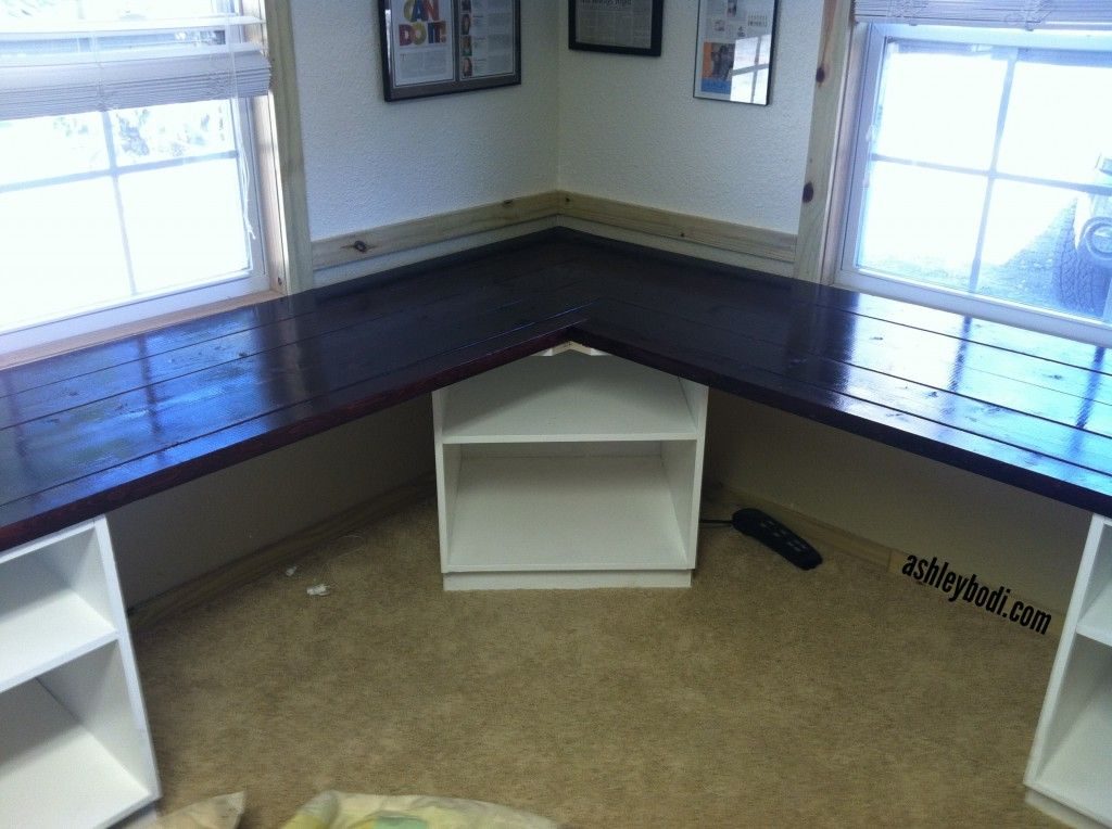 Diy L Shaped Desk Remove The Corner Shelf And Replace With Legs