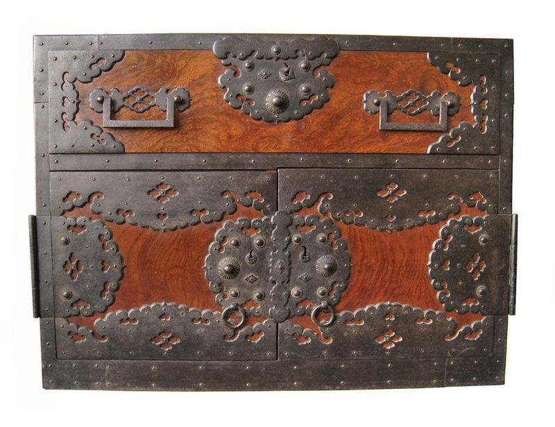 Épinglé par jmb sur boîtes coffrets coffres malles pinterest