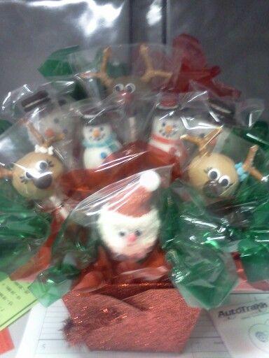 christmas cake pop bouquet #cakepopbouquet