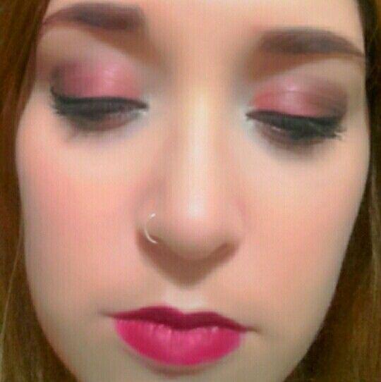 Rojo makeup