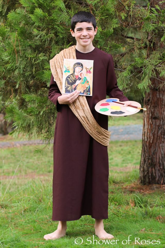 Check out this impressive costume of saint luke the evangelist check out this impressive costume of saint luke the evangelist diy solutioingenieria Choice Image