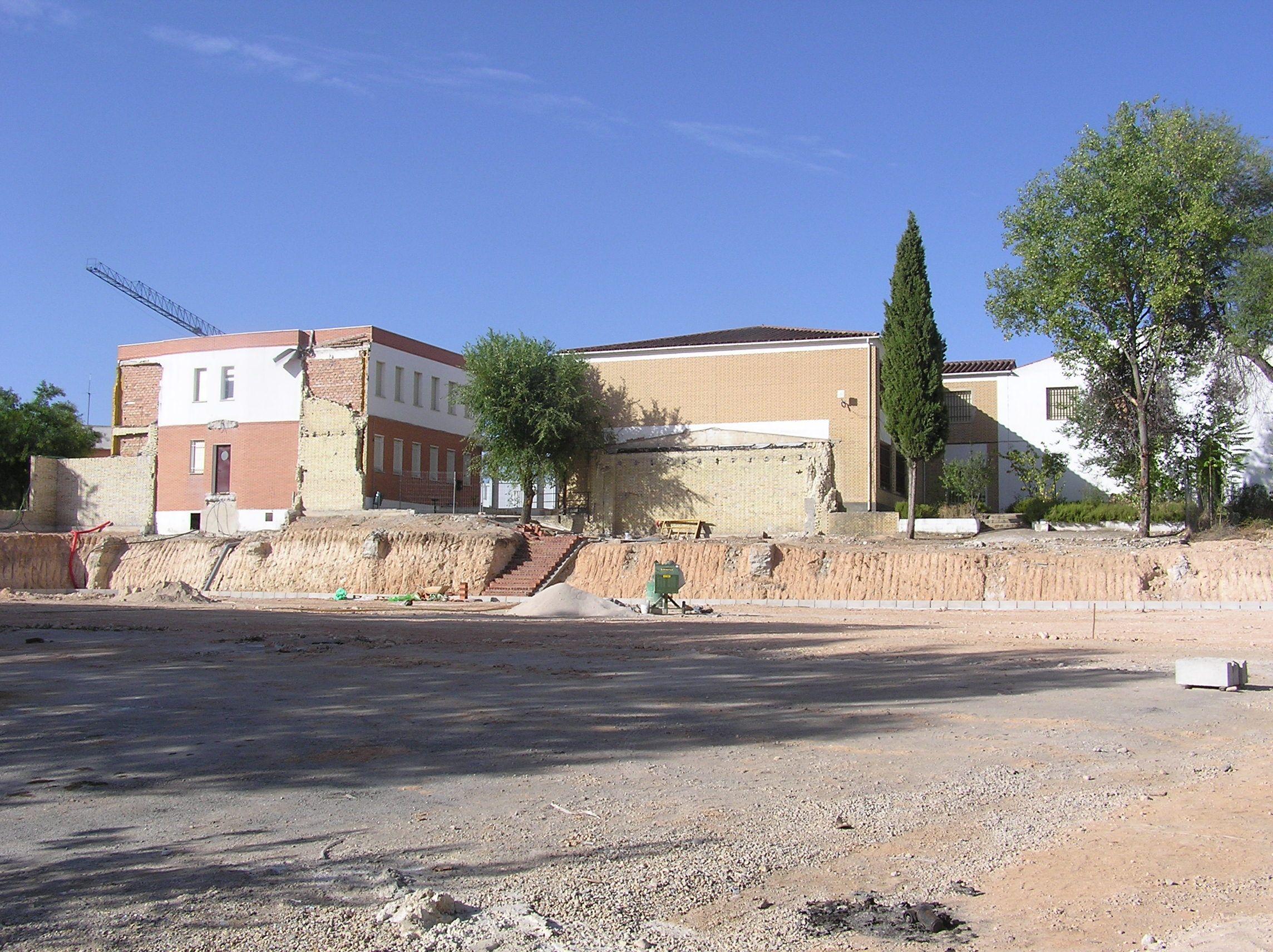 este es el aspecto que presentaba el instituto después de echar abajo parte de su estructura