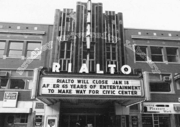 Famous Theater In Peoria Il I Wish They Hadn T Torn It Down Or The Palace Or Madison Either Peoria Peoria Illinois Pekin Illinois