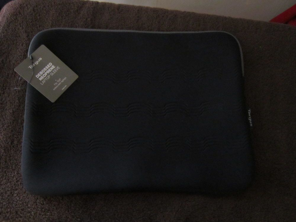 "NEW Targus Soft Lightweight Slim Laptop Case Fits 15 1/2"" Laptops #Targus.    BIG HOLIDAY SALE GOING ON NOW!!"