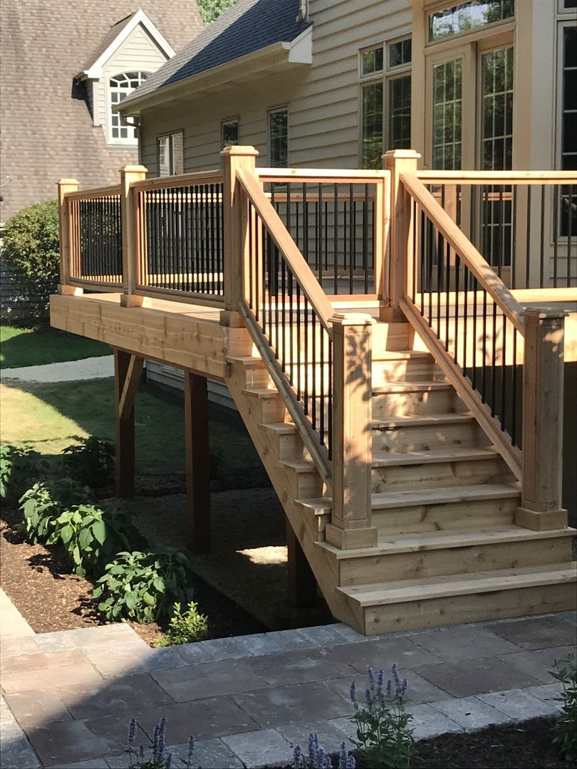 Classic Round Aluminum Balusters By Deckorators Building A Deck