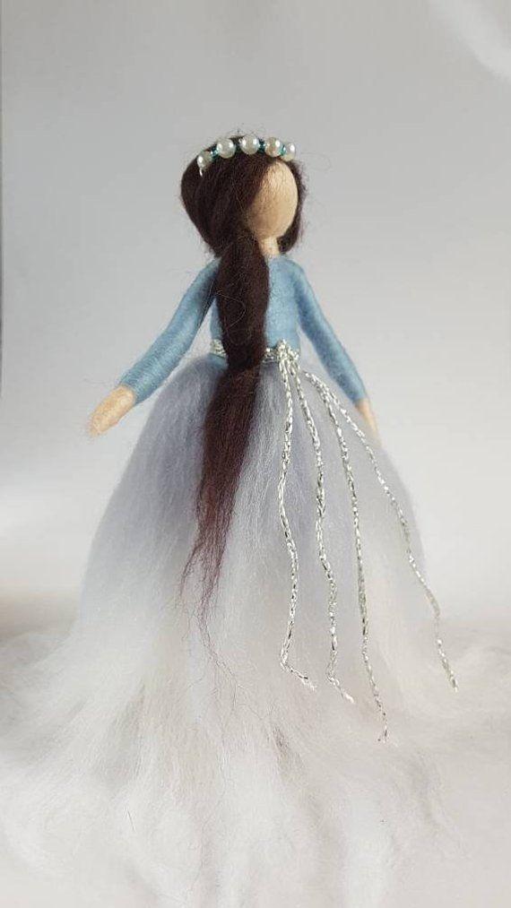 Winter, Figur, Nadel gefilzt Fee, Silber und Blau Dekor, Festliche Dekorationen, Wollfilz Puppen, Weihnachtsfiguren, Winter-Märchen,