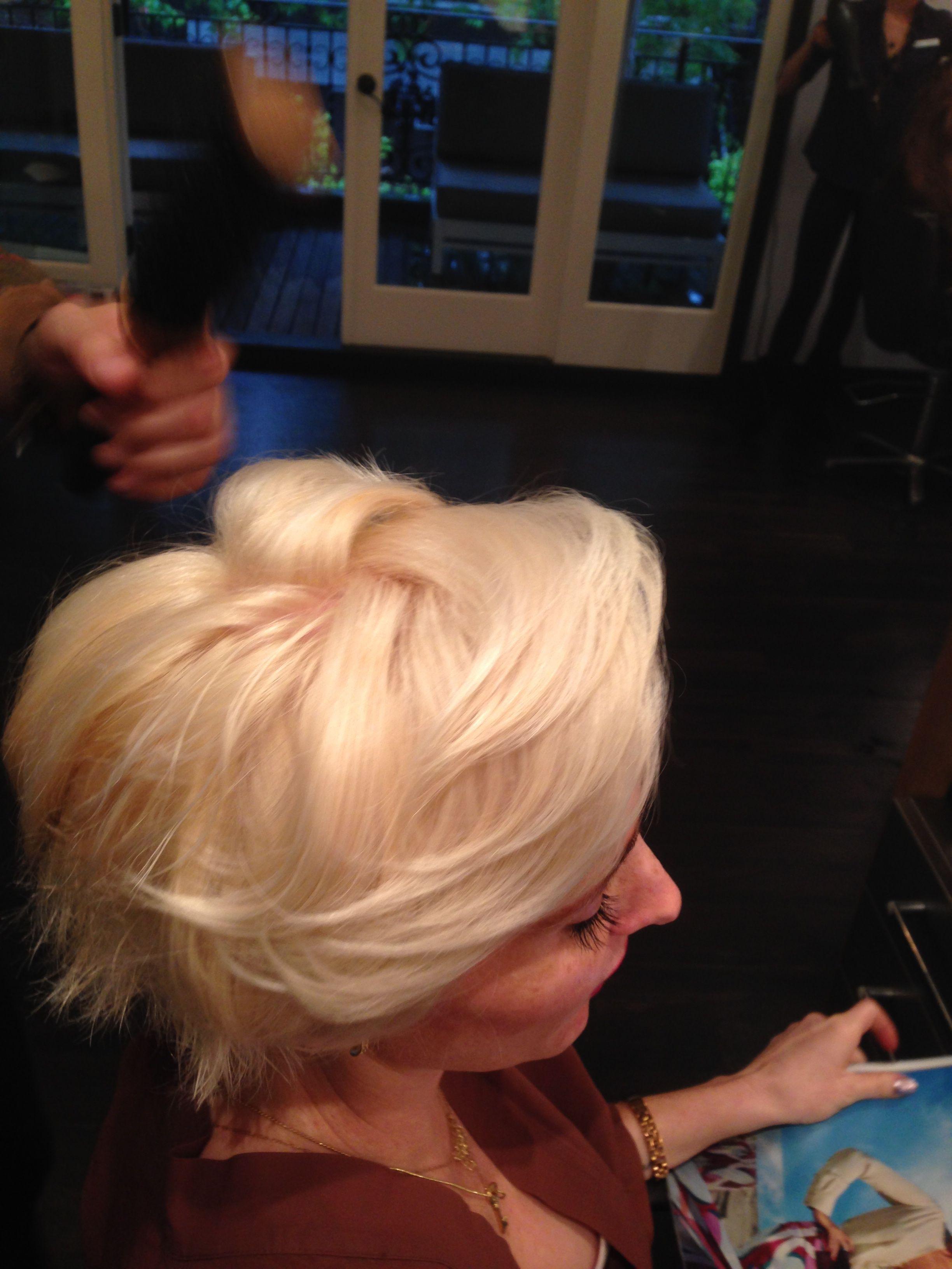 Brianna goes Hollywood Platinum Blonde! Platinum blonde