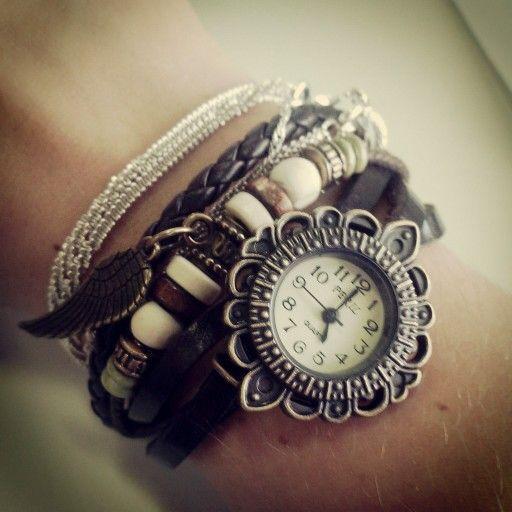 Relógio - Por Juli Vergani